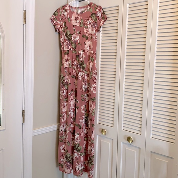 Wren & Ivory Floral Maxi Dress
